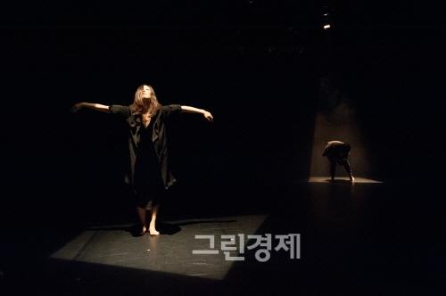 ▲틈(2012년)