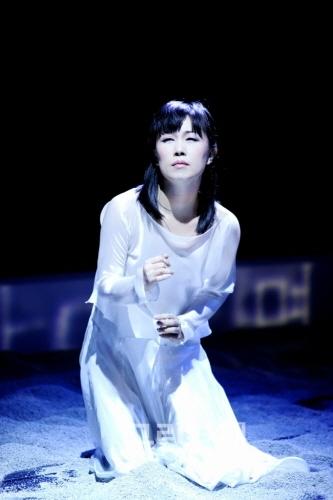 ▲전순희안무의'눈꽃아가(2009)'▲전순희안무의'여울'