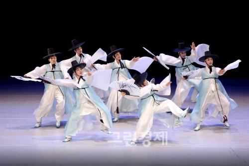 ▲『대전양반춤』(-양반이요,양반!대전양반이요!)
