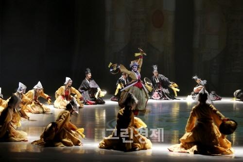 ▲『바라춤』(–정토를부르는상생과해원의춤)