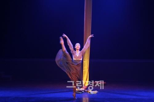 ▲김옥련안무의'운현궁의봄'