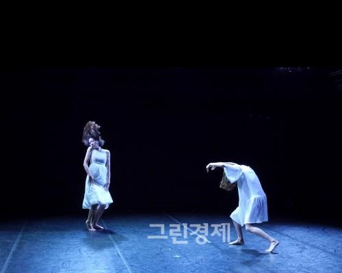 ▲김하용안무의『잉여,Superfluous』