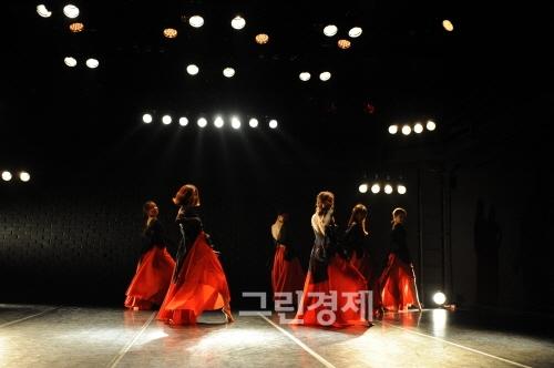 ▲서연수안무'레드심포니'