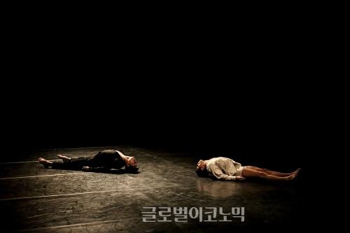▲정현진안무의'뒤바뀐새벽'▲정현진안무의'창작산실'