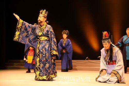 ▲김홍주안무의'도미부인이야기'(2013)