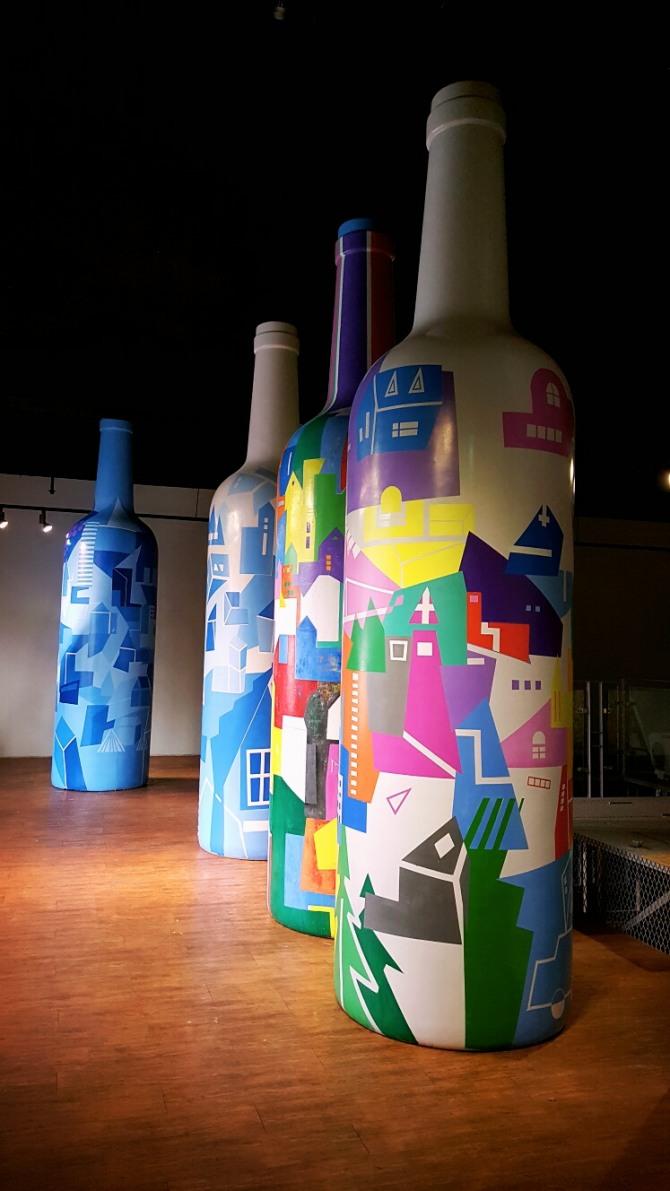 박건우 작 꿈꾸는 도시, 높이 4m, 혼합매체, 2015