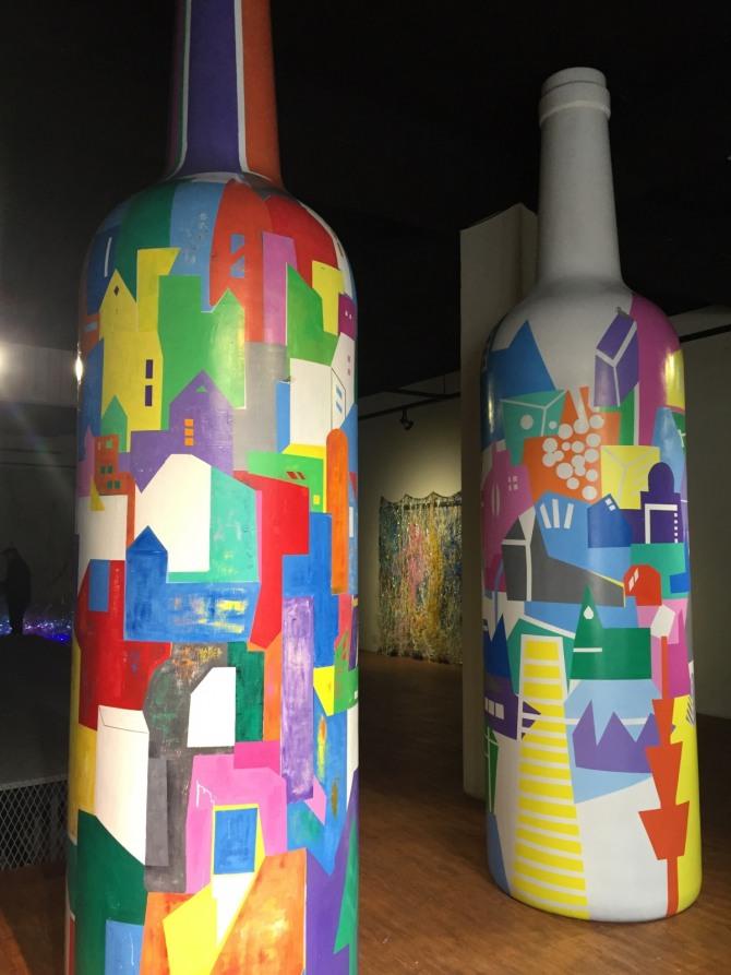 박건우 작 꿈꾸는 도시(부분), 높이 4m, 혼합매체, 2015