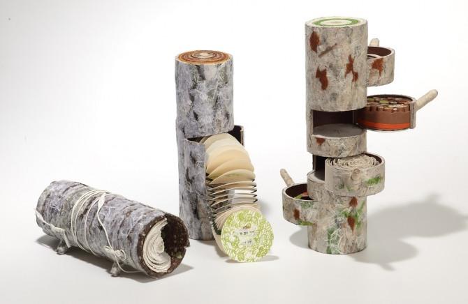 강진숙 작 가슴을 열어 보이는 나무, 판화지, 한지, 지관, 11x36cm, 2007