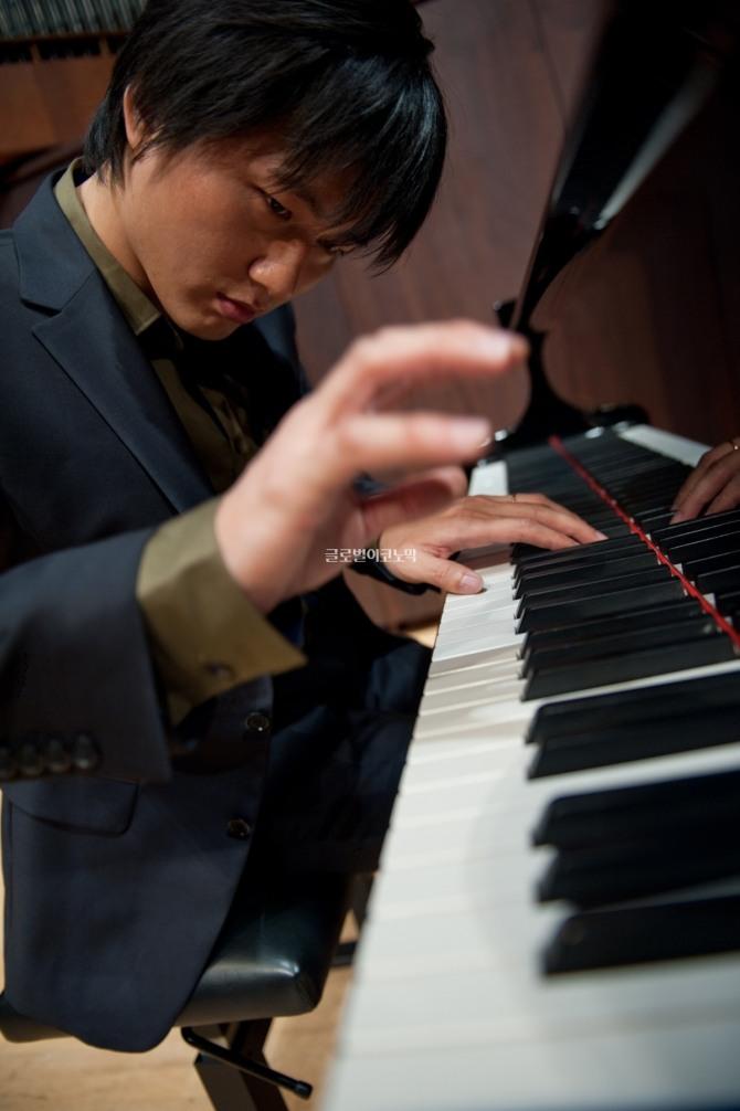 이성철 피아니스트