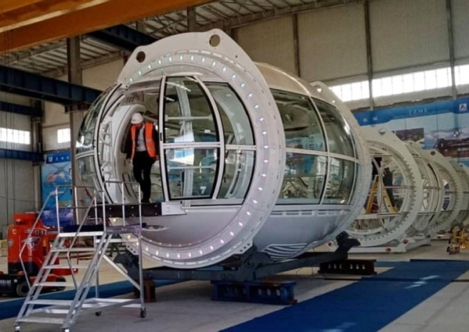 내년 10월 '두바이 엑스포 2020' 개막에 맞춰 가동될 회전관람차 '아인 두바이(두바이 아이)'의 관람객 캡슐의 모습. 사진=UAE 알라얀 홈페이지