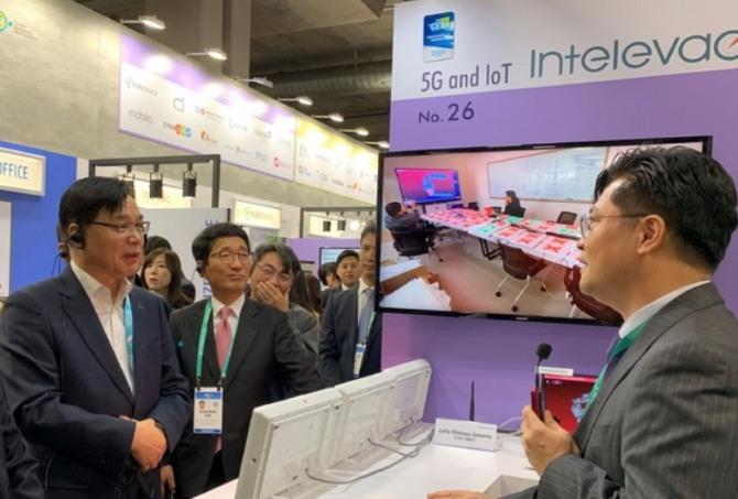 코트라(KOTRA)가 한국전자정보통신산업진흥회(KEA)와 함께 7일부터 나흘간 미국 라스베이거스에서 열리는 'CES 2020' 전시회에서 한국관을 운영하는 모습. 사진=뉴시스