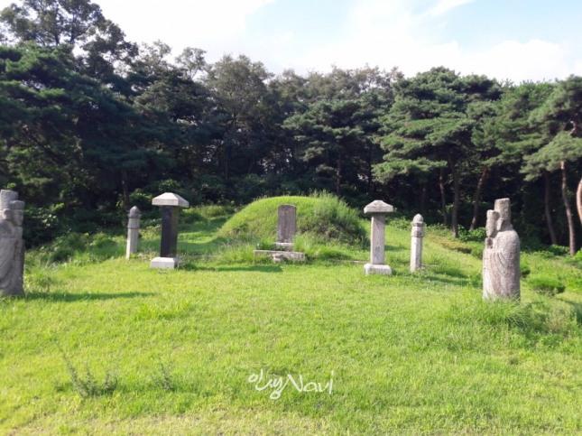 경기도 남양주시 덕소읍 덕소리 석실마을은 조선의 8대 명당으로 꼽히는 김번묘.